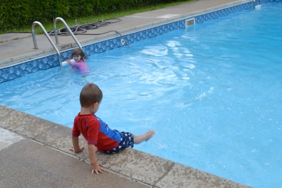 1 and 1/4 kid in the pool!